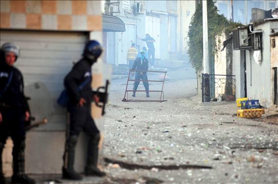Ascienden a cinco los muertos en los disturbios de Argelia