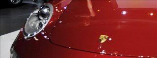Restos de un faro y el retrovisor de un Porsche delatan al autor de un atropello mortal en Madrid