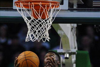 Los Celtics dejan líderes a los Heat, sin jugar; los Bulls presionan