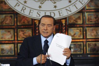 El Constitucional debate la ley que permite a Berlusconi no acudir a juicios