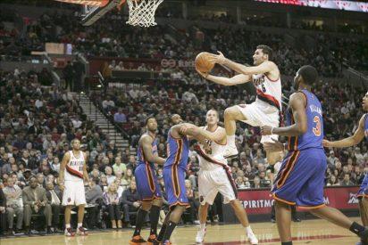 Los Spurs y los Lakers retoman el control; Young sorprendió con 43 puntos