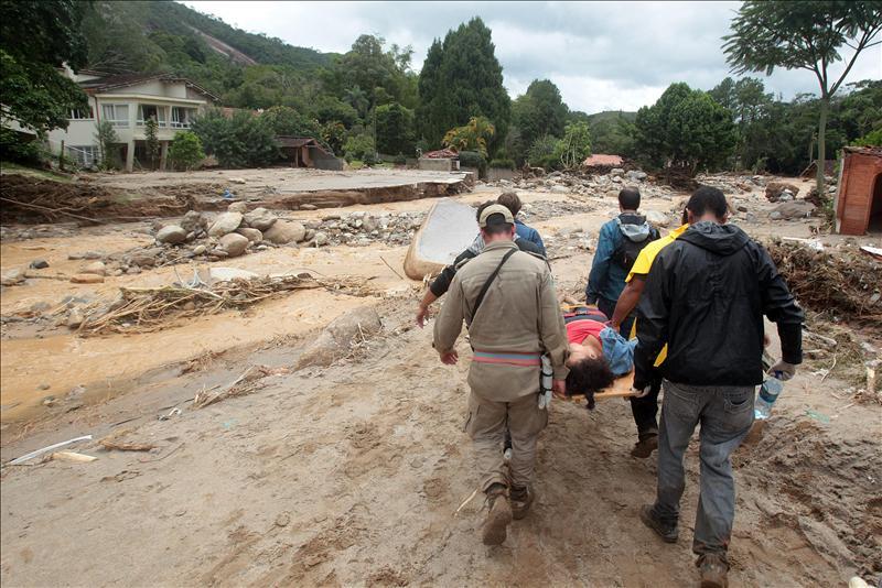Suben a 511 las víctimas por las lluvias en el estado de Río de Janeiro