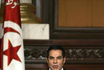 El presidente de Túnez abandona el país y Ejército toma el control, según Al Yazira