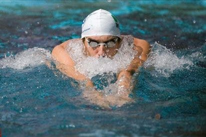 Cara y cruz para Michael Phelps en su regreso a la competición
