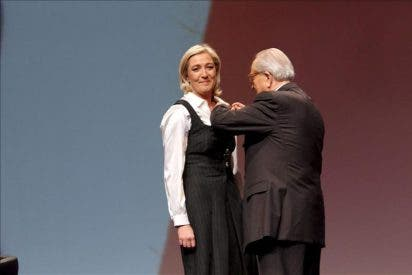 Marine Le Pen proclamada nueva presidenta del Frente Nacional