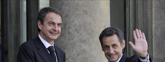 Zapatero llega al Elíseo para analizar con Sarkozy la evolución del euro