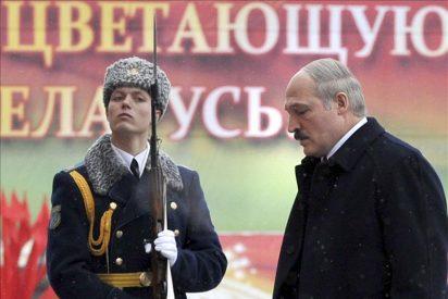 Lukashenko asume la presidencia de Bielorrusa en medio del aislamiento internacional
