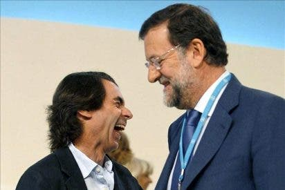 Rajoy-Aznar, el abrazo pendiente desde 2008