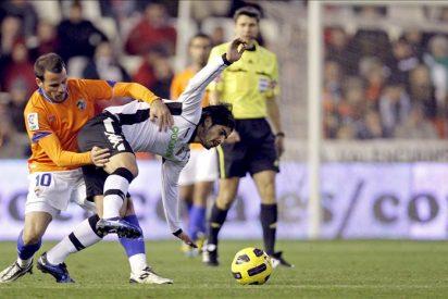4-3. El Valencia remontó ante un buen Málaga que jugó mucho tiempo con nueve