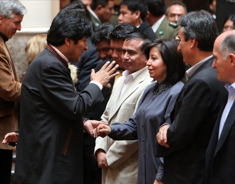 Morales ratifica a casi todos sus ministros para el sexto año de su Gobierno