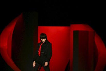 Almodóvar y Elena Anaya mano a mano con Galliano en Christian Dior Couture