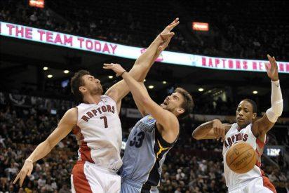 Los Spurs vuelven al camino del triunfo y los Hornets no lo abandonan