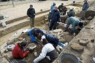 Hallan dos nuevas tumbas en el yacimiento de Cástulo en Linares, Jaén