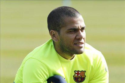 Alves se entrena con normalidad y podría jugar ante el Almería