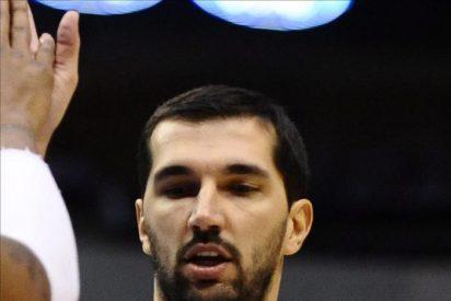El serbio Stojakovic deja los Raptors y firma con los Mavericks