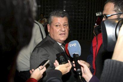 """El presidente del Hércules afirma que el rendimiento de Drenthe es """"mínimo"""" para lo que cuesta"""