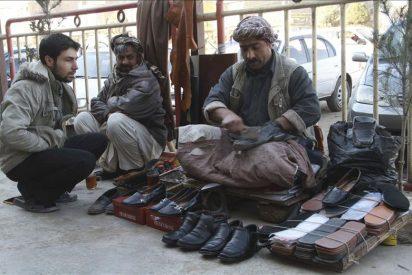 """Petraeus asume que 2011 será un año """"duro"""" en la guerra contra los talibanes"""