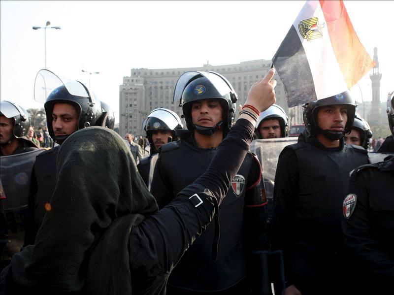 Varios policías heridos en las manifestaciones contra el régimen egipcio
