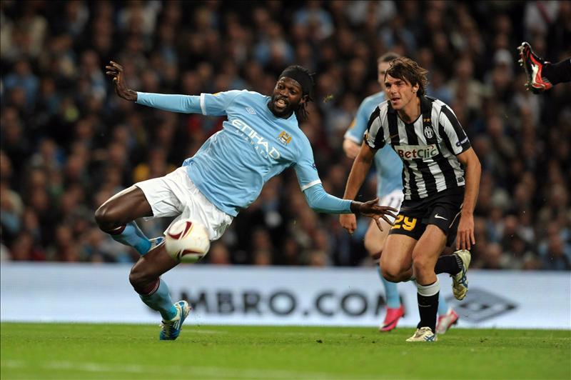 Adebayor llega cedido del Manchester City hasta final de temporada