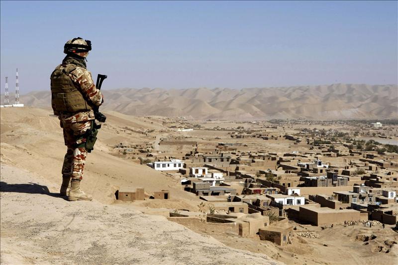 Muere un niño y resulta herido un soldado español en un ataque de insurgentes en Afganistán