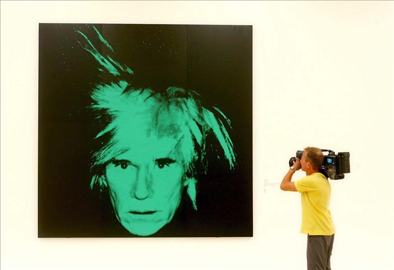 Se expone en Nueva York un monumental autorretrato de Warhol recién descubierto