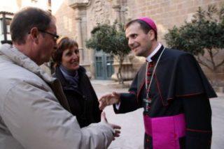 """El obispo de Solsona juzga como una """"provocación innecesaria"""" el monumento gay ante la Sagrada Familia"""