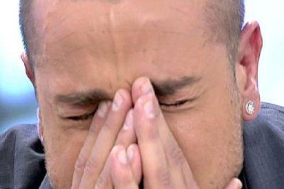 """Rafa Mora, destrozado, rompe a llorar en 'Sálvame Deluxe': """"Sé que doy audiencia, pero juro que no soy un maltratador"""""""