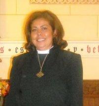 Primera mujer Rector de una parroquia anglicana en Salamanca