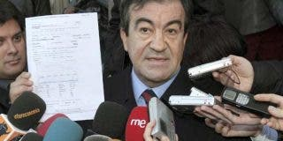 "Beaumont: ""Cascos para millones de españoles es la cara de la derecha del doberman que asusta"""