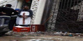 Al menos 21 muertos al estallar una bomba frente a una iglesia de Alejandría