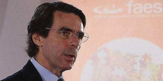 Aznar: «España no puede competir en el mundo con 17 miniestados»