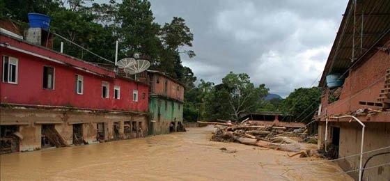 Diluvio mortal en Rio de Janeiro se cobra la vida de 335 personas