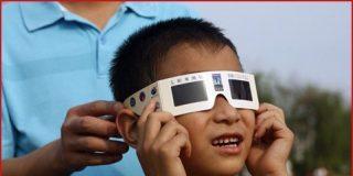 El martes 4 enero 2011, el primer eclipse de Sol de los cuatro que habrá este año