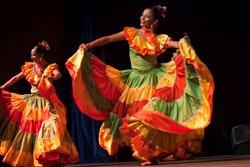 Baile y tradición en FITUR 2011