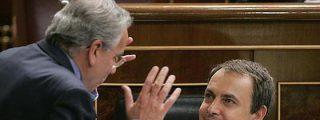"""La revista de Alfonso Guerra 'Temas para el debate' cree que las medidas de ajuste """"triturarán"""" al PSOE de Zapatero"""
