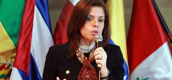Perú en crisis: Mercedes Aráoz renunció a la vicepresidencia y a la presidencia en funciones del país