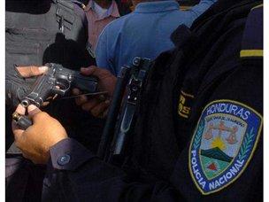 Seis policías de Honduras detenidos por asaltar un banco