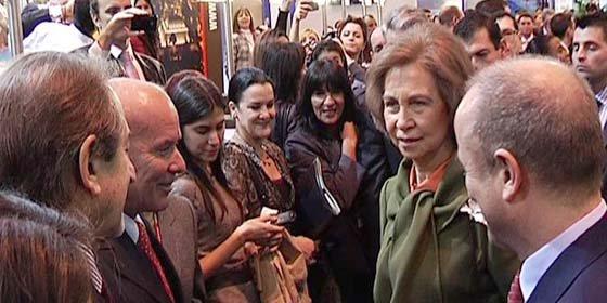 La Reina de España inuguró FITUR 2011 en Madrid