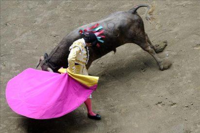 Espectacular desplome de una plaza de toros en Colombia