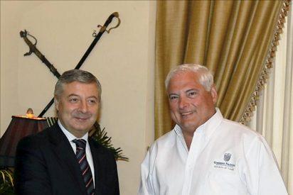 El ministro español de Fomento aupa a las constructoras en Panamá