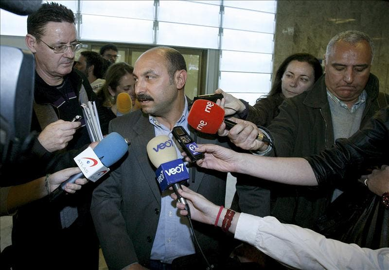 Llega de Libia un vuelo con seis viajeros que aseguran que el aeropuerto de Trípoli es un caos