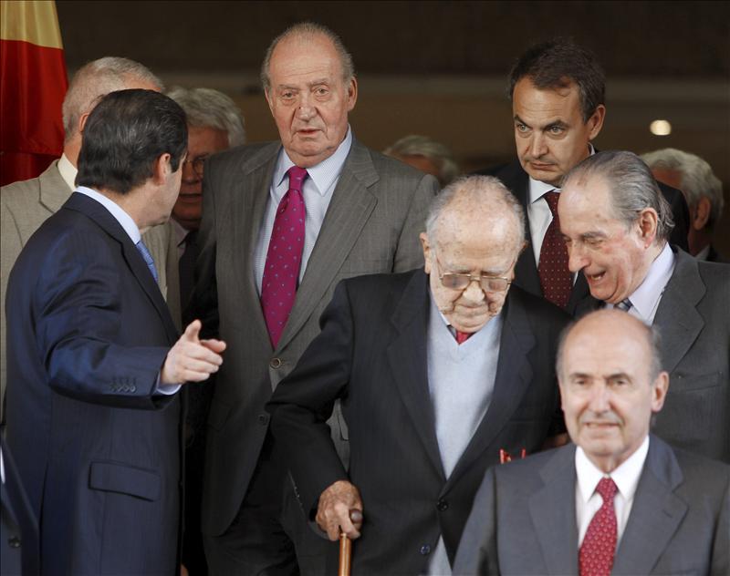 """El rey dice que se han """"divertido mucho"""" hablando de España, del futuro y del pasado"""