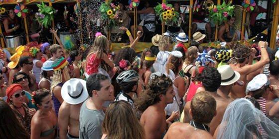 Quien orine en la calle durante el Carnaval de Río de Janeiro será arrestado