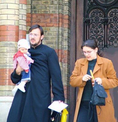 """""""La Iglesia necesita también sacerdotes casados y mujeres en el ministerio ordenado"""""""