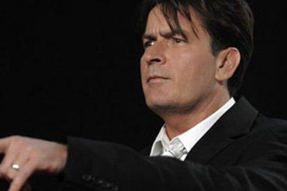 """Cancelan 'Dos hombres y medio' después de que Charlie Sheen llamara """"payaso"""" a su productor ejecutivo"""