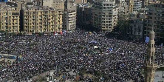 Más de un millón de manifestantes en la plaza Tahrir de El Cairo
