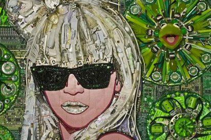 Lady Gaga y Barack Obama, retratados con basura por un artista californiano