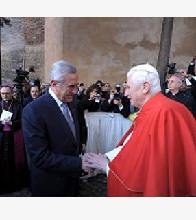 """El Papa y el presidente libanés desean """"estabilidad"""" en Medio Oriente"""