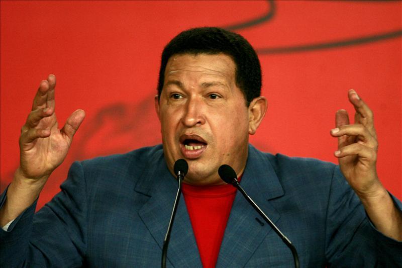 """Hugo Chavez advierte a Obama que """"ni se le ocurra"""" intentar con Venezuela lo que hace con Libia"""