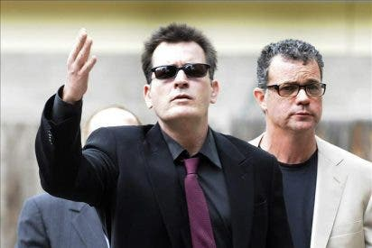 Warner Bros pagará a Sheen la mitad de los capítulos suspendidos